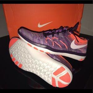 Nike Schuhes   Wmns Free Tr Focus Flyknit Größe  9 Nwb   Größe Poshmark 665f0b